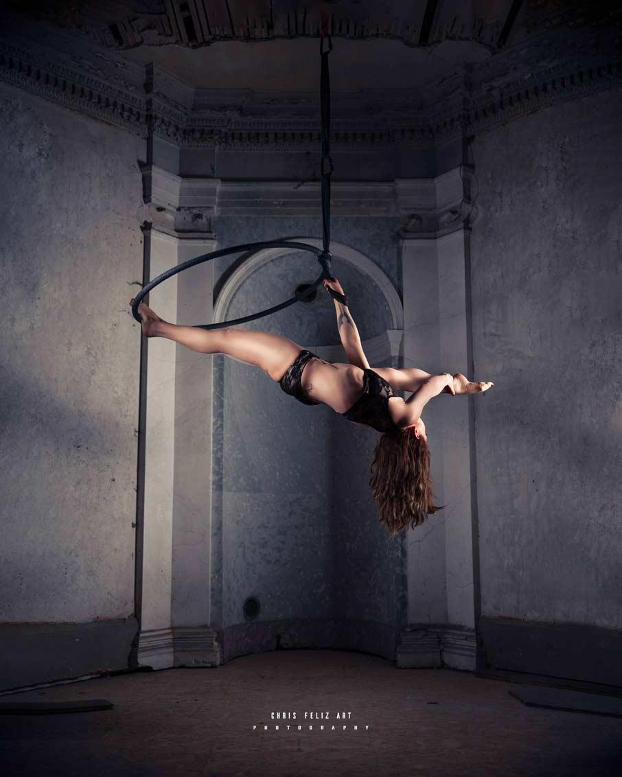 Cours de cerceau aérien à Dragon pole dance. Pole dance